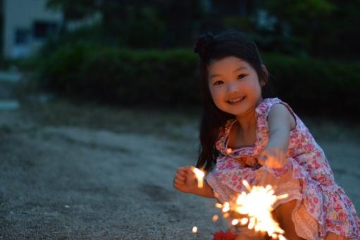 花火 子供 子ども こども 夏 楽しい 手持ち花火 遊ぶ mdfk023