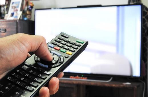 テレビ リモコン チャンネル 操作 スイッチ 番組 ニュース お笑い 映画 tv アニメ スペース 余白 電化製品 家電 電波 電池 手