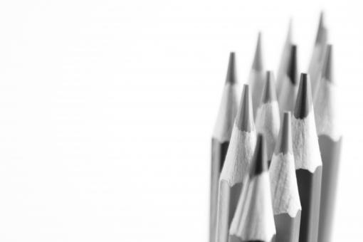色えんぴつ 色鉛筆 色エンピツ 背景 素材 背景素材 壁紙 ボード ホワイトスペース 白紙 余白 コピースペース 表紙 タイトル デザイン 表現 ビジュアル 描写 絵 画 ビジネス ツール 描く 画家 ペン 余白 白地 下地 筆記用具 pen