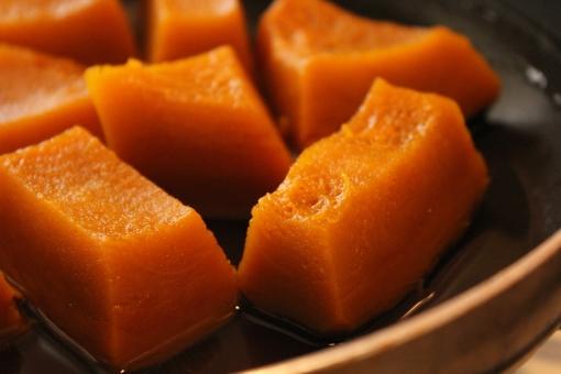 かぼちゃ かぼちゃの煮物 煮物 和食 食べ物 野菜 緑黄色野菜 煮付け おかず 出来立て 秋 食事 飲食 料理 調理 クッキング