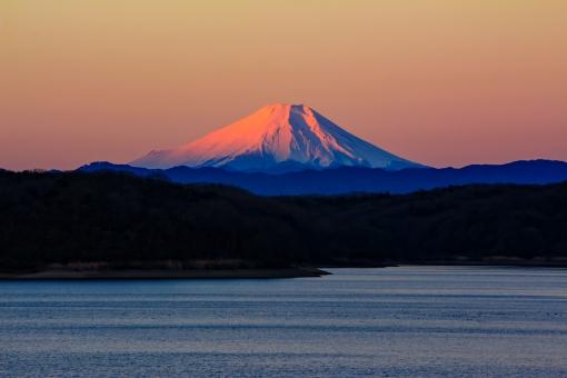 富士山 狭山湖 風景 朝日 朝 日の出 背景 壁紙 年賀状