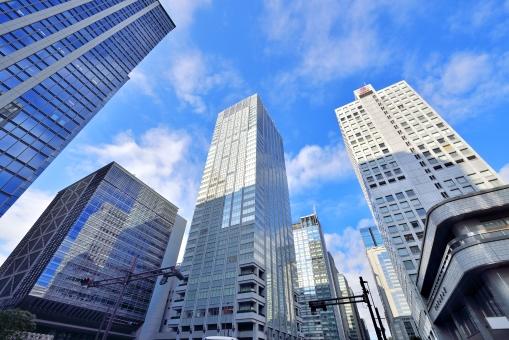 東京駅前 大手町の高層ビル群の写真