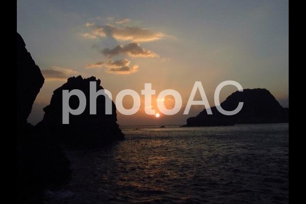 磯からの朝日の写真