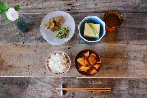 和食 わしょく 和 朝ごはん あさごはん 朝ご飯 日本の食卓 ごはん 味噌汁 みそしる みそ汁 豆腐 卵豆腐 たまご豆腐 玉子豆腐 とうふ たまごとうふ 日本 食事 食卓 食べる 日本の朝ごはん