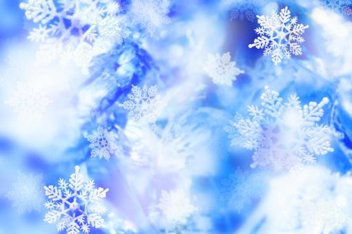 フローズン 氷 雪の結晶 冬 冷たい 背景 テクスチャー 青 ブルー 水色 水晶 クリスタル オブジェ 小物 ガラス 壁紙 バックグラウンド ロマンティック 幻想的 自然 風景 雪 キラキラ 輝き キラメキ きらめき かがやき