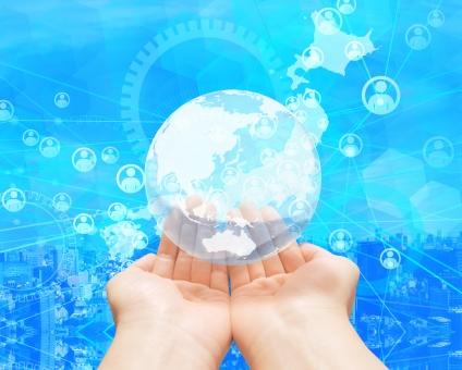 日本のビジネスネットワーク-地球を手の平に乗せての写真