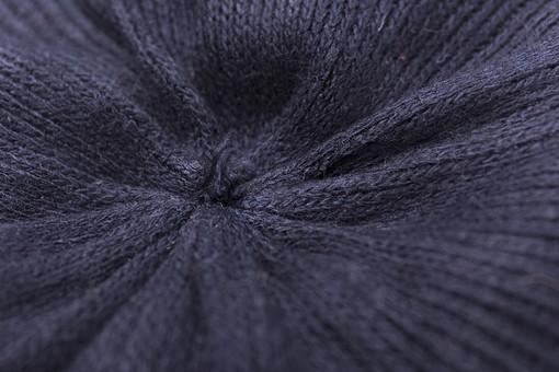 全面 編み物 編物 毛糸 毛糸玉 糸 けいと 手芸 編み物用品 手編み ニット 編む 手作り 手仕事 ハンドメイド 趣味 ホビー 素材 資材 シンプル 雑貨 紺色 青 青色 接写 アップ 生地 絞る 寄る