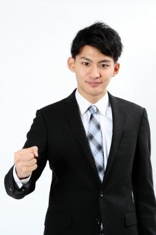 人物 生物 人間 男性 若い 青年 アジア アジア人 日本 日本人 ポーズ モデル スーツ ジャケット ビジネス 就活 フォーマル バストアップ 上半身 ボディランゲージ 示す 伝える 意志 コミュニケーション 手 ハンドサイン 腕 ガッツポーズ ファイト 励ます 頑張る 拳 mdjm002