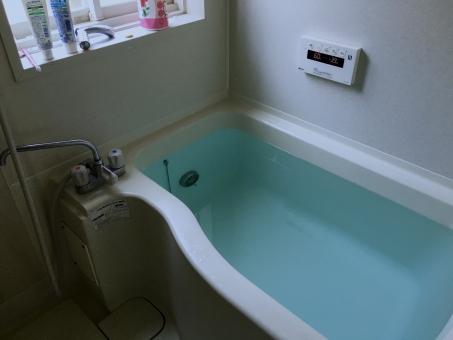 残り湯 風呂 バス バスルーム 洗面器 シャワー 風呂場 自宅 石鹸 風呂桶 風呂釜