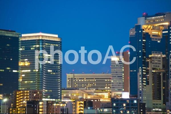 大阪梅田街並み夜景の写真