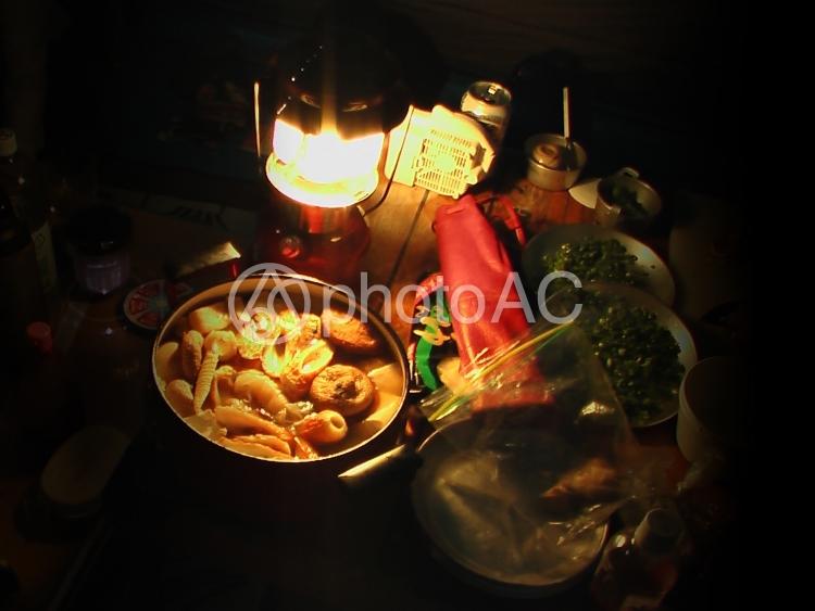 アウトドア夜の料理の写真