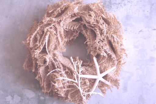 サマーリース シンプル ヒトデ シーブッシュ 海 夏 インテリア バーラップリース 麻のリース サンゴ 白 クール 涼しい 手づくりリース