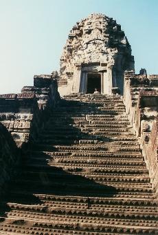 satochi サトチ カンボジア かんぼじあ cambodia アンコールワット あんこーるわっと 遺跡 いせき イセキ remain 階段 step かいだん カイダン