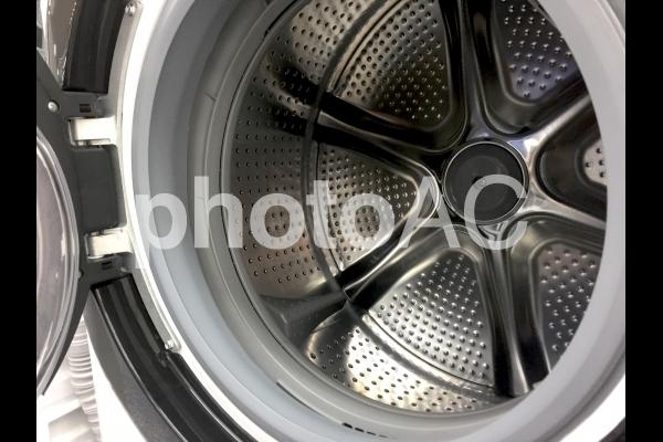 横型ドラム式洗濯機(洗濯槽)の写真