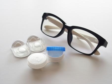 黒縁メガネ めがね 眼鏡 コンタクトレンズ コンタクトレンズケース 医療 日用品 黒いメガネ