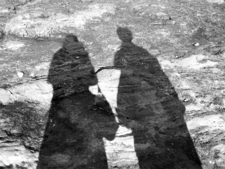 影 シャドー 二人 男性 女性 カップル 恋人 夫婦 ポストカード 背景 人影