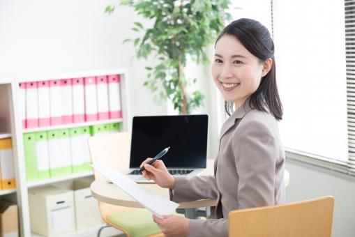 オフィスワークの女性27の写真