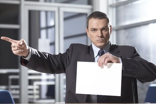 外国人 男性 男 男子 Men スーツ 背広 仕事 Job 働く サラリーマン 就労 労働 勤労 勤務 ビジネス  業務 お仕事 会社 オフィス 事務所 通勤 50代 40代 ビジネスマン メッセージ メッセージスペース スペース ボード mdfm044