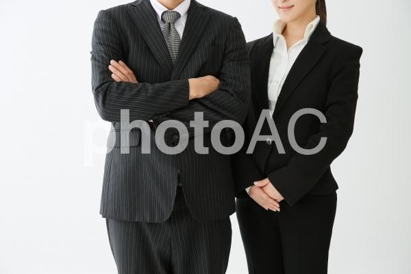 ビジネスマンとビジネスウーマンの写真