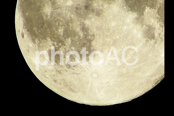 満月(月齢14.9)の写真