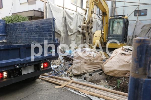 解体工事現場の写真