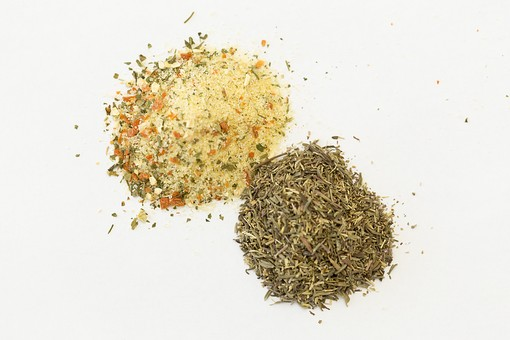 スパイス SPICE スパイシー 香辛料 調味料 シーズニング インド 料理 調理 クッキング 作る 混ぜる 入れる 食事 食べる 食 健康  体にいい 予防 防ぐ 治病 食事療法 食料