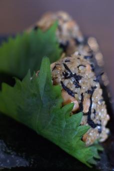 秋の味覚 秋 ひじき 大豆 おにぎり 大葉 玄米 ご飯 お弁当 ランチ 定食 和食 健康