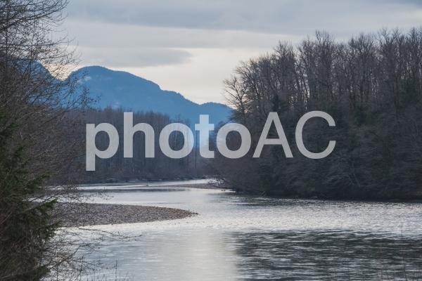 スコーミッシュ 川を望む風景  スコーミッシュ  カナダの写真