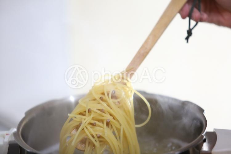 スパゲティを茹でるの写真