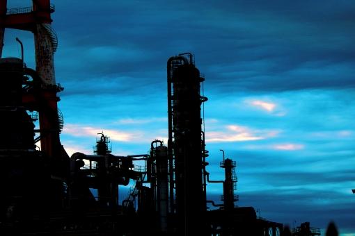青 ブルー 蒼い 水 空 大空 青空 工場 メカニック メカ 発電所 サイロ 建物 背景
