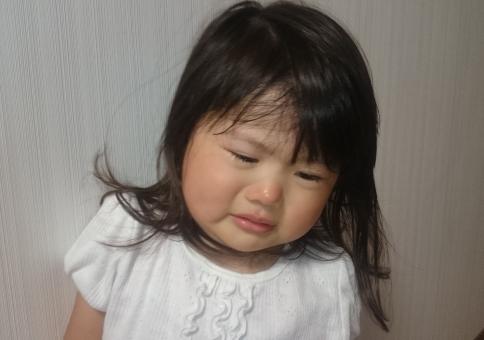 女の子 わがまま 泣く 子供 幼児 泣き顔 girl crying child kids japanese 子ども しんどい 熱 疲れた 風邪 育児