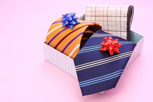 父の日 イベント プレゼント ギフト 行事   明るい    6月 六月  贈る     プレゼント 箱 ネクタイ ハンカチ  リボン ストライプ チェック ピンク ピンクベース