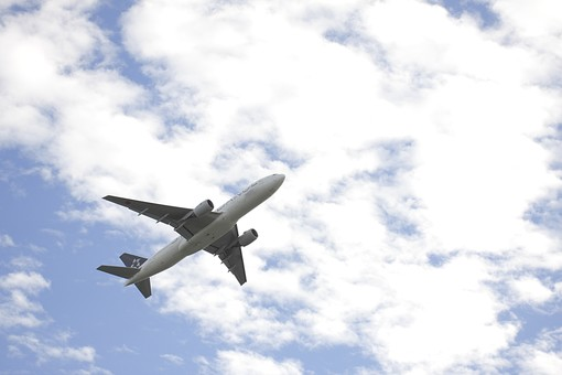 飛行機の写真素材|写真素材なら「写真AC」無料(フリー)ダウンロードOK