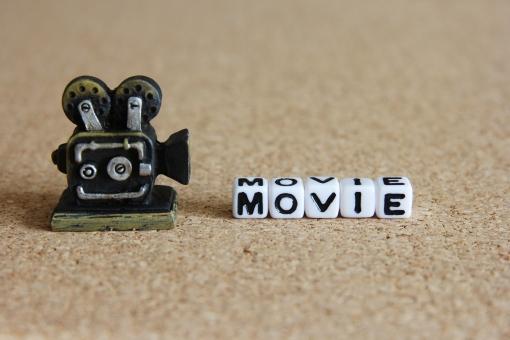 動画 ムービー MOVIE Movie movie ビデオ 映像 YouTube youtube ユーチューブ 動画制作 撮影 録画 ビデオカメラ 一眼カメラ 映画館 テレビ 放映 公開 背景 素材 背景素材 タイトル イメージ 壁紙 表紙 MOVIE 収入 広告 人気