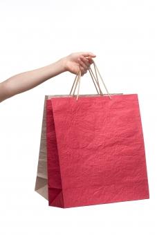 紙袋 手提げ袋 バッグ ペーパーバッグ 紙製 和紙 赤 白 紅白 手 左手 手指 手首 腕 左腕 ハンド 持つ つかむ 提げる 伸ばす 持ち上げる ぶら下げる 渡す 差し出す 受け取る もらう ハンドポーズ ポーズ ハンドパーツ パーツ 白バック 白背景