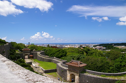 沖縄 風景 景色 空 青空 リゾート 観光地 南国 晴れ 旅行 真夏 夏 家 琉球