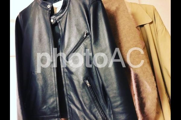 装い 冬 革ジャンの写真