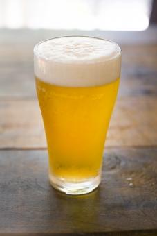 ビール びーる 麦酒 アルコール お酒 酒 さけ むぎ 麦 泡 飲み物 beer クラフト麦酒 クラフトビール 酔う