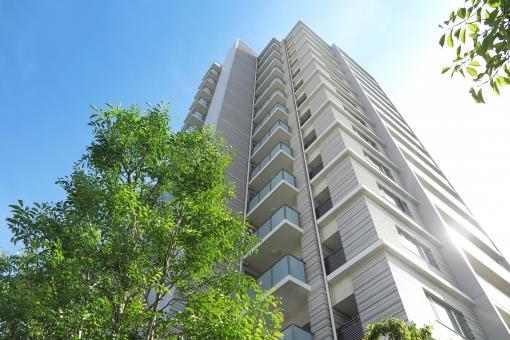 青空とマンションの写真