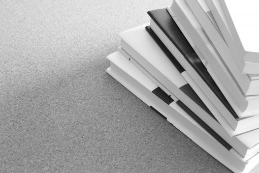 読書 本 書籍 積読 ノルマ 課題 宿題 勉強 試験勉強 受験 検索 調べ物 大量 論文 執筆 締め切り 締切 原稿 仕事 ビジネス 報告書 事務処理 未読 資料 ページ数 コピースペース 資格試験 山積み インプット 背景素材