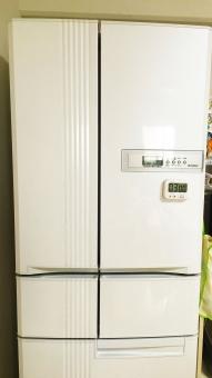 電気 水 冷却 夏 冬 白物家電 お世話になります 屋内 白バック 庫内温度 台所 キッチン 食事の支度 料理 氷 冷凍庫 野菜室 日常生活
