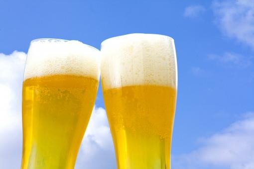冷えたビールの写真