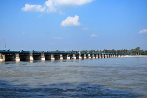 バングラディッシュ 外国 海外 自然 風景 景色 環境  植物 緑 晴れ 晴天 樹木 樹 木 木々 広大 壮大 癒し 河 川 河川 流れ 水 水面 橋 桟橋 海