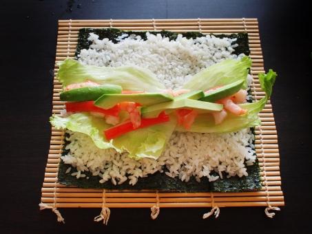 巻き寿司 巻きすし まきす す 寿司 まきずし スシ 酢飯 のり ノリ 海苔 sushi japanesefood アボカド レタス カニカマ かにかま エビ
