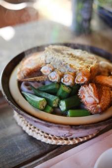 毛ガニ けがに ケガニ 毛蟹 カニ かに 蟹 鍋 なべ ナベ 冬 料理 土鍋 海鮮 蟹爪 かにつめ 食卓 食事 野菜