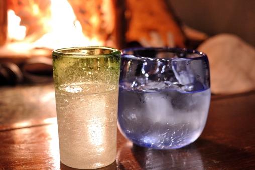 沖縄 居酒屋 泡盛 古酒 琉球グラス 綺麗