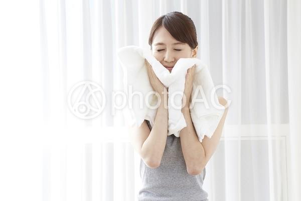 日本人女性リラックス21の写真