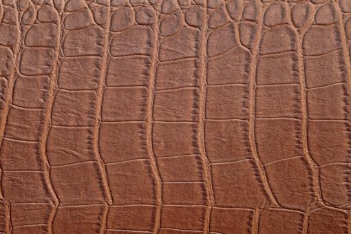 レザー 革 茶色 ブラウン アップ クローズアップ なめし皮 背景 背景素材 背景イメージ バックグラウンド 動物 爬虫類 ワニ 蛇 ヘビ 模様 デザイン パターン 素材 イメージ 材料 皮 質感 テクスチャ テクスチャー 荒い 表皮 表面 着色 合成樹脂 クロコダイル 一面 全面 壁紙 スタジオ スタジオ撮影
