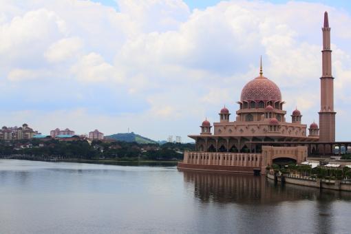 東南アジア マレーシア クアラルンプール kl 郊外 プトラジャヤ プトラモスク ピンクモスク イスラム教 ムスリム 宗教 美しい 絶景 かわいい モスク 湖