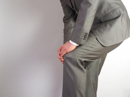 膝 膝の痛み 膝痛 怪我 リウマチ 整骨院 通院 関節痛 神経痛 症状 炎症 靭帯 圧迫 腱鞘炎 疲労 痛風 骨 関節リウマチ 治療 痛み 痺れ 薬 病院 鎮痛 湿布 通院 マッサージ ストレッチ トレーニング リハビリ
